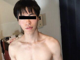 Men's Rush.TV – 18歳の童貞オタクボーイがカメラの前でVRオナニーを披露!! – HBM-004